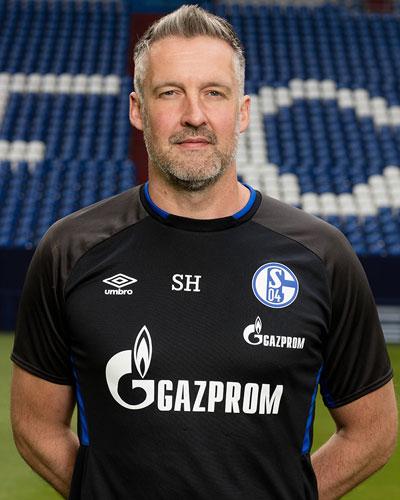 Simon Henzler