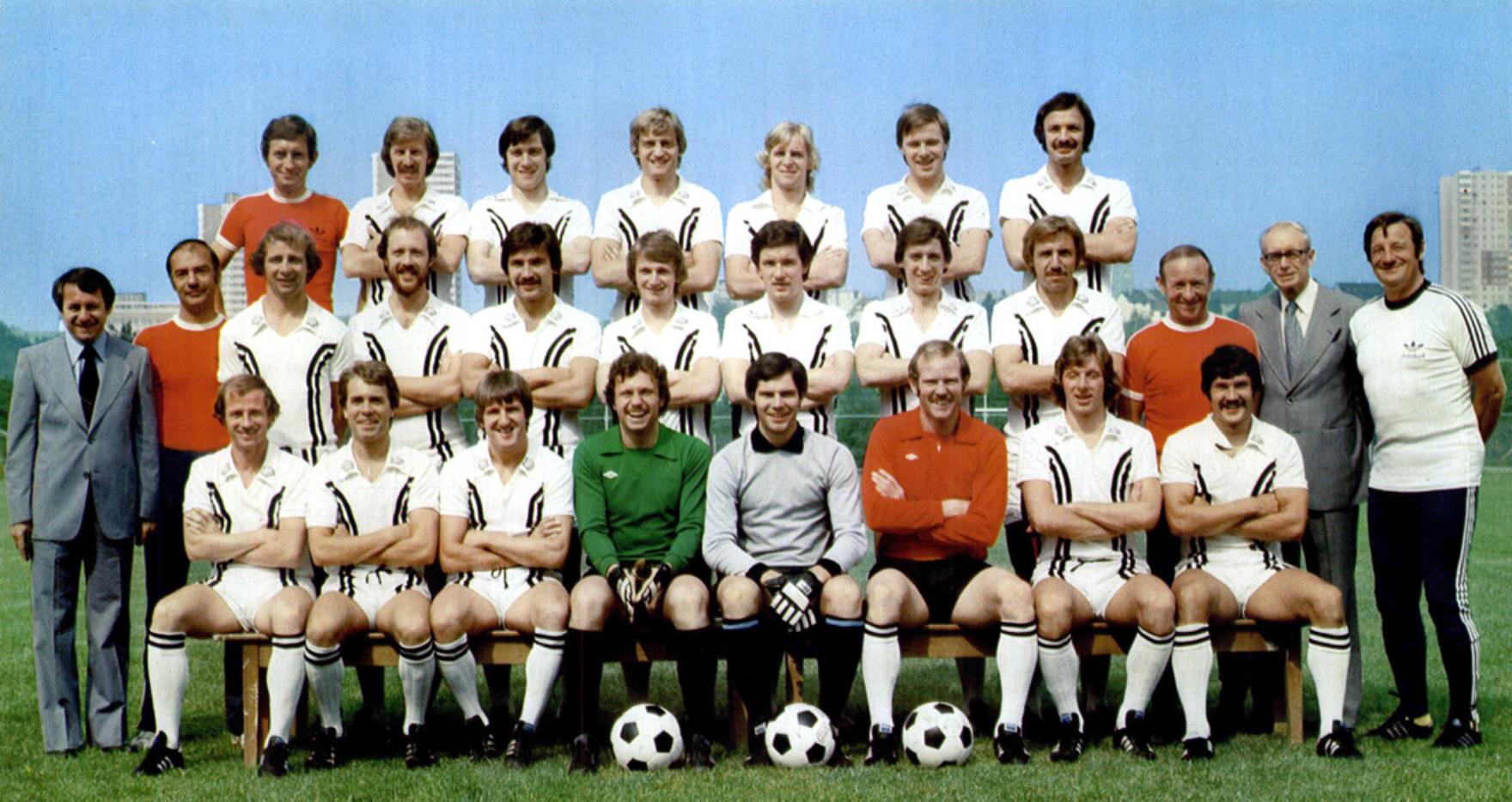 Mannschaftskarte Bayer Leverkusen 2010//11